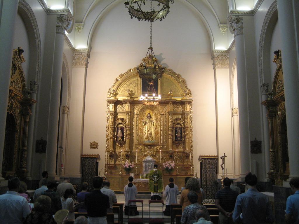 Primera Misa tradicional Convento de las Salesas. Año 2010