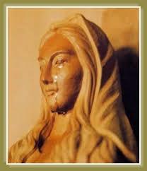 Estatua de Nuestra Señora de Akita, Japón, que lloró más de 100 veces.