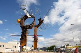 escultura basura
