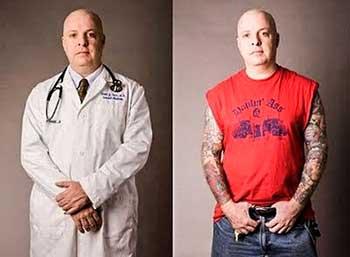 A pesar de que los tatuajes no están reñidos con sus capacidades profesionales. ¿Cómo responderían los pacientes si un día su médico pasa la consulta sin bata?