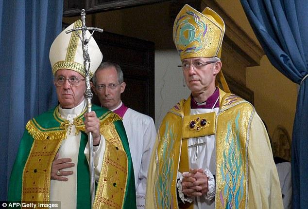El papa Francisco y el arzobispo de Canterbury en Roma, en las vísperas por el 50º aniversario de las conversaciones teológicas entre la Iglesia Católica y la anglicana