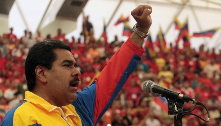"""Maduro dice que hay una """"campaña internacional"""" contra el papa Francisco"""