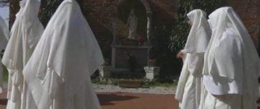 La destrucción de los Monasterios femeninos