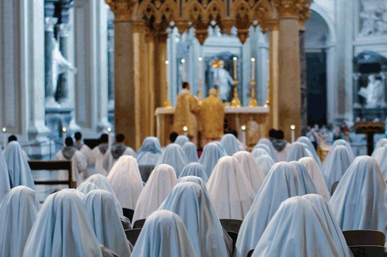 Franciscanas de la Inmaculada: continúa el martirio mediático. Hablan las familias.