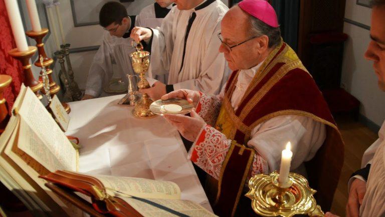 ¿Con aprobación pontificia? Inesperadamente, un nuevo obispo para la Fraternidad San Pío X