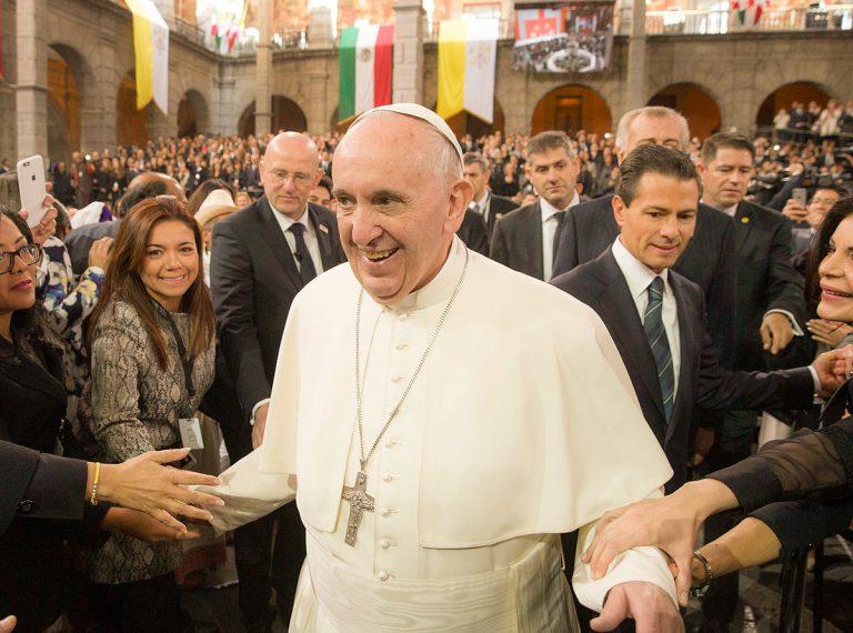 Coincidencias, conjeturas y canalladas: el 14 de mayo de Francisco