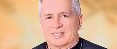 Un arzobispo de armas tomar